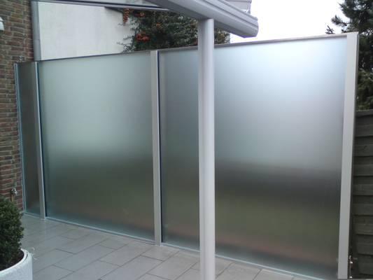 Auch farbige Abtrennungen und gestaltete Wände sind realisierbar.